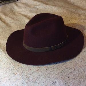 Pistil felted hat